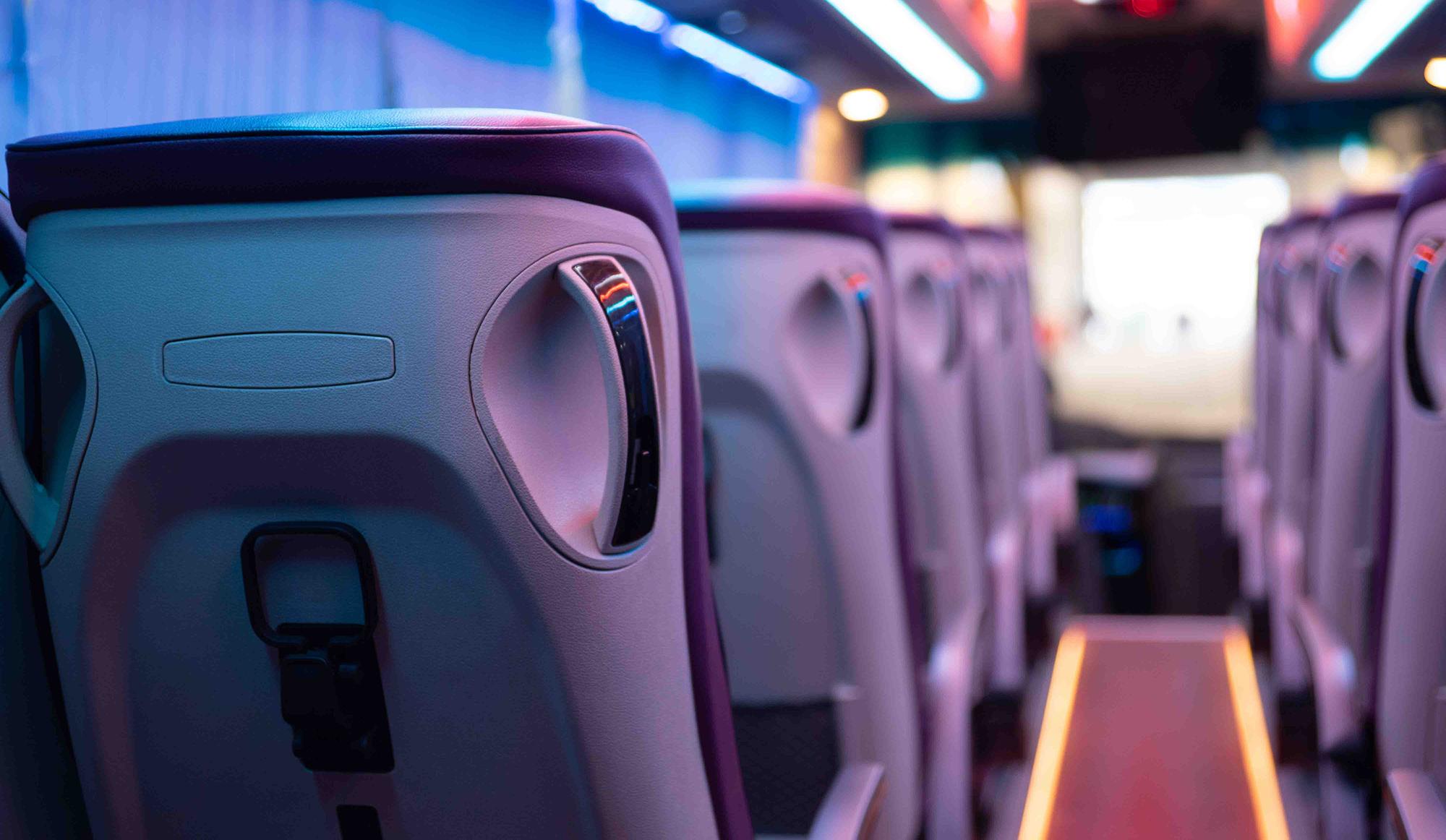 Ghế hành khách có cổng sạc điện thoại